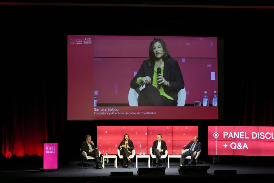 TrustMaker participa en «Reinvéntate» de AED Valencia para hablar de confianza y negocio